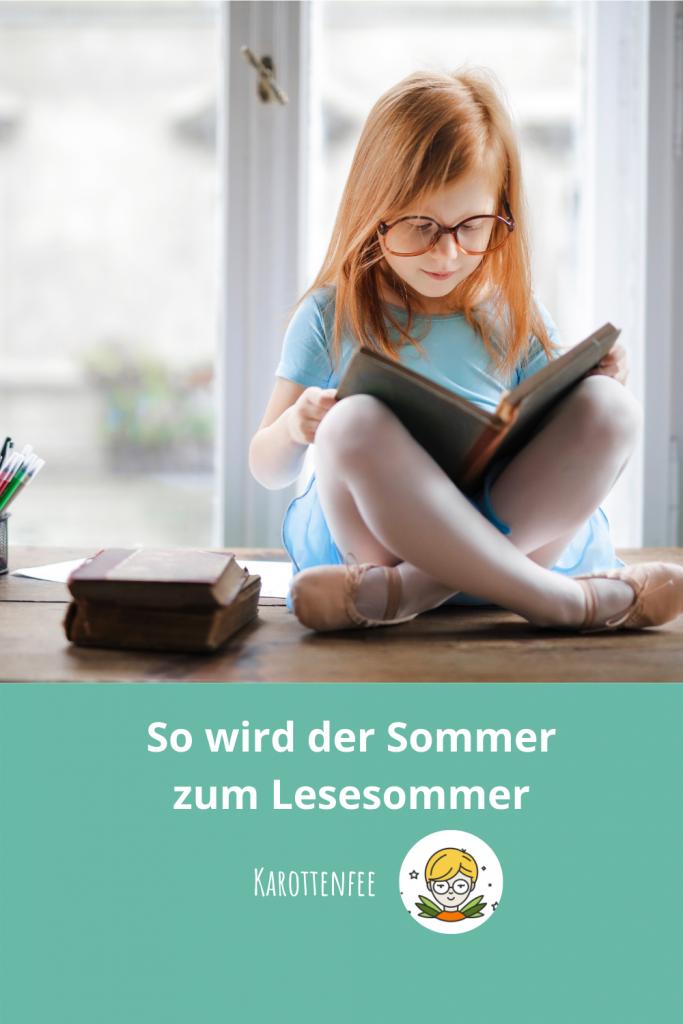 Pinterest-Pin: So wird der Sommer zum Lesesommre! Ein lesendes Kind am Fenster.